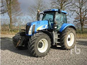 Колёсный трактор NEW HOLLAND T8020