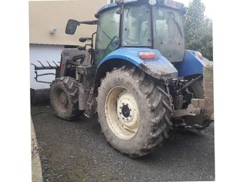 Колёсный трактор New Holland T595